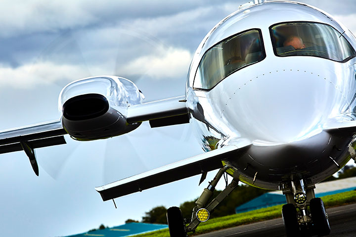Piaggio Aerospace Delivers Two Aircraft to Swiss and East-African Customers